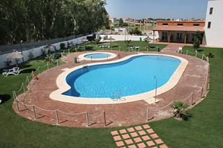 Hotel pradillo conil for Piscina pradillo