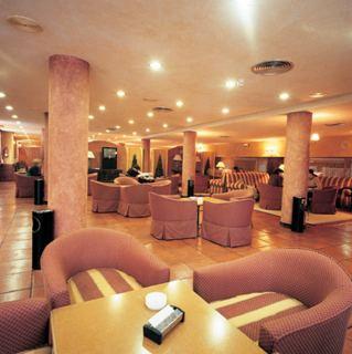 Hotel nh el toro for Piscinas berrioplano