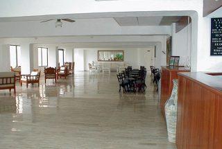 Hotel aristos cancun plaza for Hotel agrustos